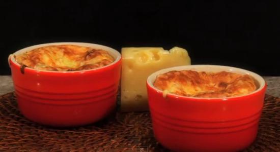 suflê de queijo gruyère
