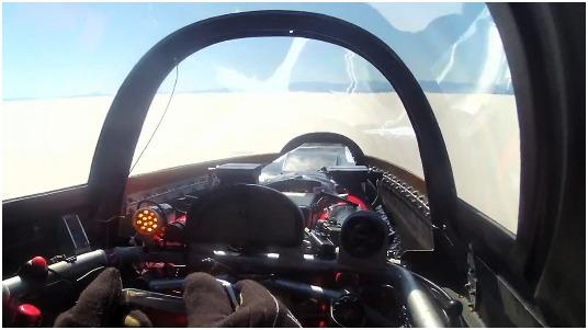 pilotar a 743 kmh